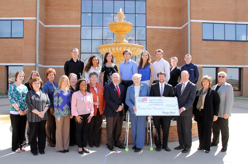 Peoples Bank invests $25,000 in SAU's College of Business
