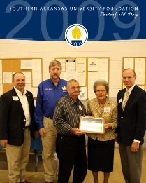 Endowment honoring Lewis and Maxine Porterfield